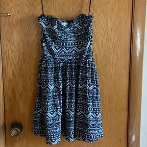 Aeropostale strapless dress WITH pockets